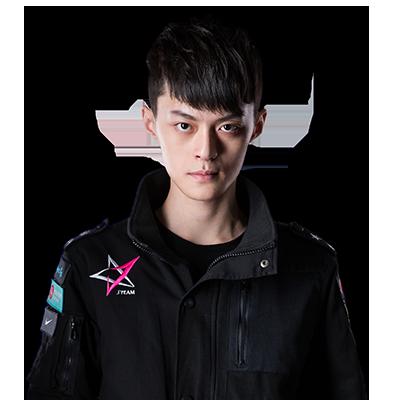 FoFo J Team Mid Laner Chu Chun-Lan